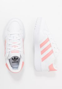 adidas Originals - TEAM COURT - Sneakers basse - footwear white/glow pink/core black - 0