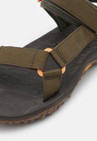 Merrell - KAHUNA WEB - Chodecké sandály - olive - 5