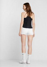 Lotto - TENNIS TEAMS SHORT - Collants - brilliant white - 2