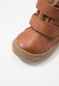 Froddo - Baby shoes - cognac - 2