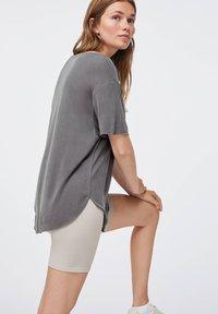 OYSHO - Basic T-shirt - dark grey - 3