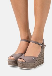 Calvin Klein Jeans - WEDGE ANKLE STRAP  - Platform sandals - dusty brown - 0