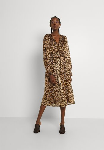 VMLEONA SMOCK CALF DRESS - Vestito estivo - tobacco brown