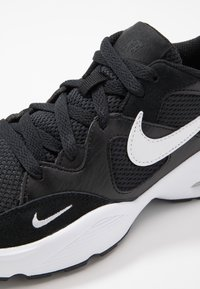 Nike Sportswear - AIR MAX FUSION  - Trainers - black/white - 2