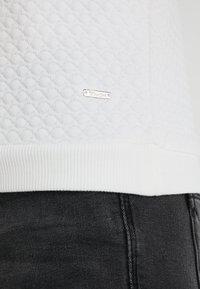 TOM TAILOR DENIM - STRUCTURED - Pitkähihainen paita - off white - 6