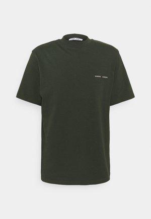 NORSBRO - T-shirt med print - kambu green