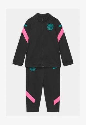 FC BARCELONA SET UNISEX - Equipación de clubes - black/pink beam/new green