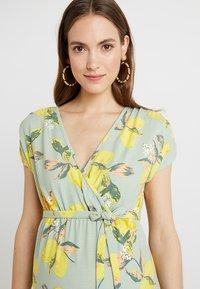 MAMALICIOUS - MLLEMON DRESS - Vestido largo - frosty green/lemon - 3
