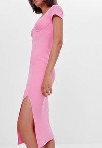 Bershka - Pletené šaty - pink - 3