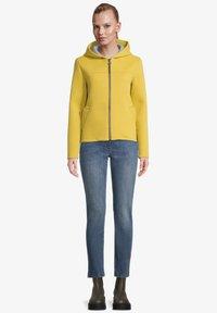 Amber & June - Sweater met rits - lemon curry - 1