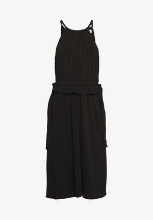 MATTE SLEEVELESS CINCHED DRESS - Jerseyjurk - black