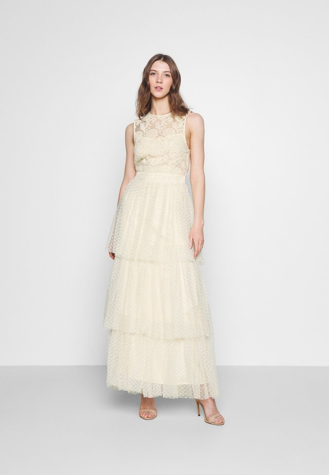 YASBIRINDA MAXI DRESS CELEB - Suknia balowa - pearled ivory