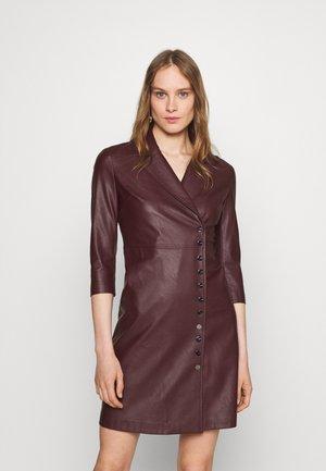 GARDEN ABITO SIMILPELLE - Robe chemise - bordeaux