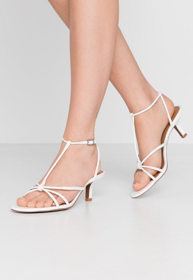 FREYA - Sandales - white