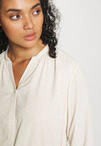 Selected Femme Curve - SLFKAMINA DRESS - Day dress - sandshell - 3