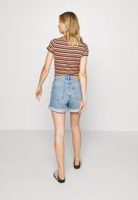 Monki - TALLIE - Shorts di jeans - blue medium dusty - 2