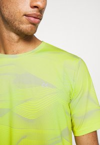 Calvin Klein Performance - SHORT SLEEVE - Triko s potiskem - green - 6
