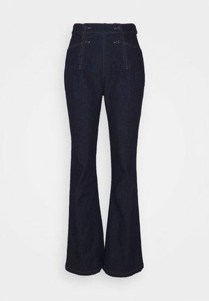 EDAN PANTS - Šiek tiek platėjantys apačioje džinsai - denim blue