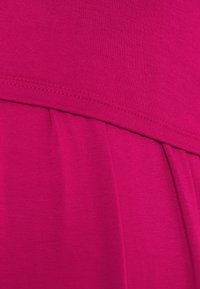 Envie de Fraise - LIMBO - Jersey dress - raspberry - 2