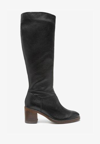 FOREVER COMFORT®  - Vysoká obuv - black