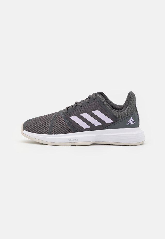 COURTJAM BOUNCE - Tennisschoenen voor alle ondergronden - grey six/purple tint/footwear white
