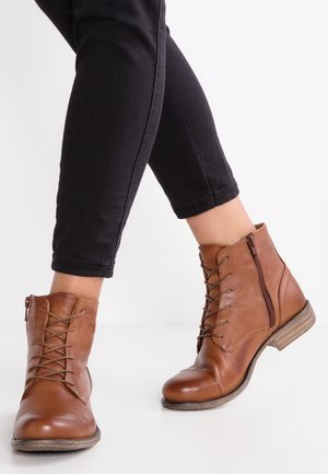 LEATHER BOOTIES - Korte laarzen - cognac