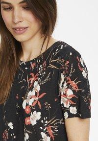 InWear - Basic T-shirt - black botanical bouquet - 3
