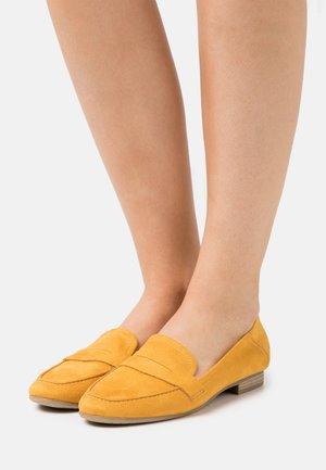 WOMS  - Slip-ons - saffron