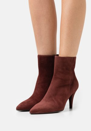 TABEBU - Ankle boots - pinot