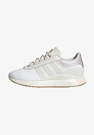 SL ANDRIDGE SPORTS INSPIRED SHOES - Trainers - cwhite/cwhite/goldmt