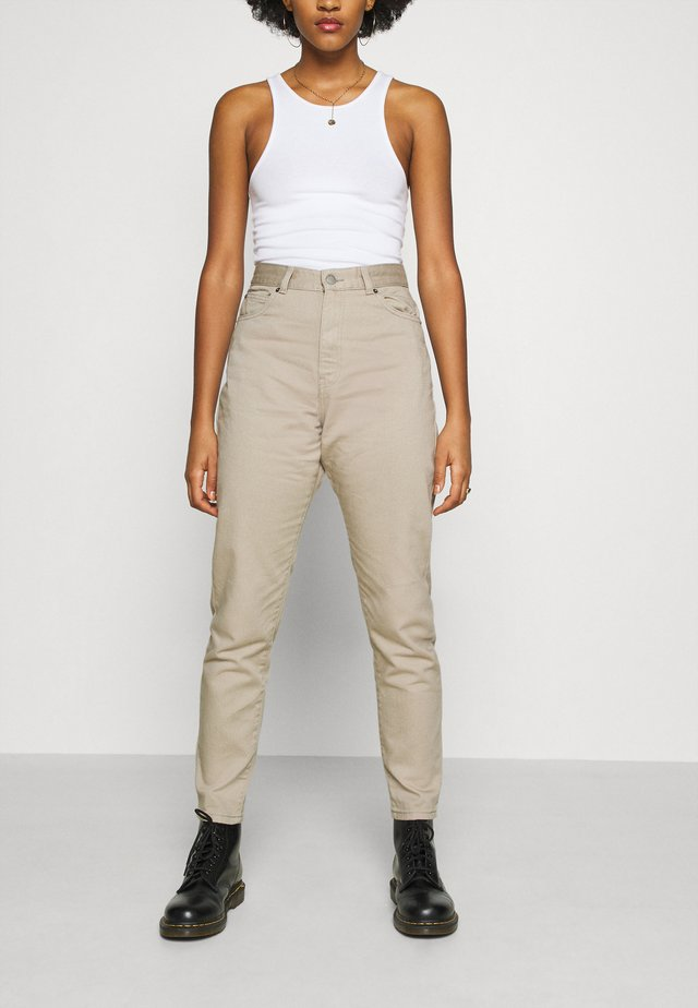 NORA - Jeans relaxed fit - cashew