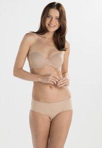 Calvin Klein Underwear - PERFECTLY FIT - Stroppeløs-BH - sanddune - 1