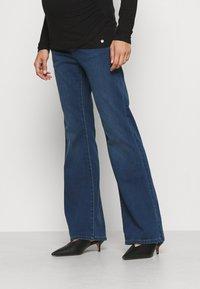 Pietro Brunelli - GRADUATED - Flared Jeans - medium stoned wash - 0