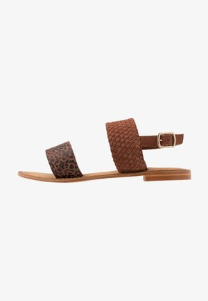 VMPINOTA WIDE FIT  - Sandals - brown