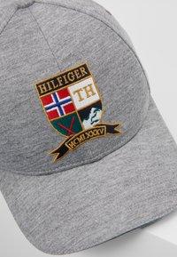 Tommy Hilfiger - CREST CAP - Kšiltovka - grey - 7