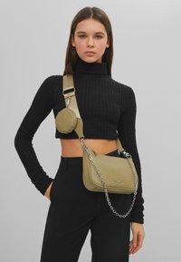 Bershka - Across body bag - khaki - 1