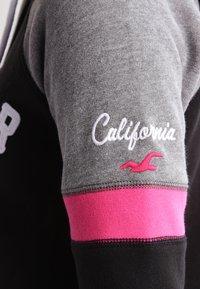 Hollister Co. - CORE - Zip-up hoodie - black - 4