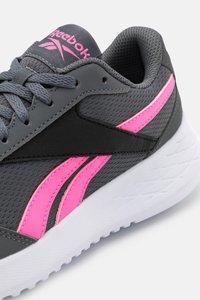 Reebok - ENERGEN LITE - Neutrální běžecké boty - grey/electric pink/core black - 5