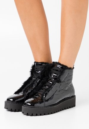 HIKE - Ankle boots - schwarz