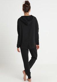 Calvin Klein Underwear - HOODIE - Pyjama top - black - 2