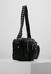Núnoo - ELLIE WASHED - Handbag - black - 3