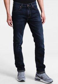 Wrangler - GREENSBORO - Straight leg jeans - el camino - 0