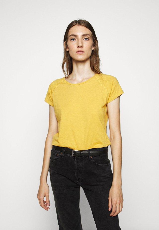WOMEN´S - T-shirt - bas - butterscotch