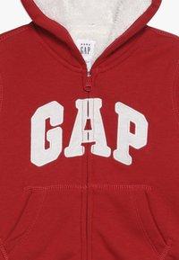 GAP - COZY ARCH BABY - Sudadera con cremallera - modern red - 3