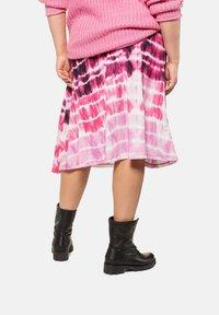 Studio Untold - BATIK - A-line skirt - hell-pink - 1
