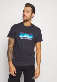 Helly Hansen - NORD GRAPHIC  - Print T-shirt - ebony - 0