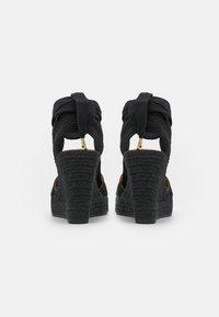 JUTELAUNE - VEGAN WEDGE - Platform sandals - black - 4