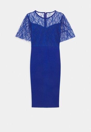 RYENA MIDI DRESS - Vestido de cóctel - electric blue