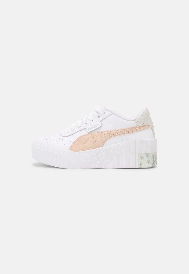 CALI IN BLOOM WOMEN'S - Sneakers basse - white/cloud pink
