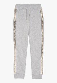 Calvin Klein Jeans - SIDE LOGO TAPE - Joggebukse - grey - 0